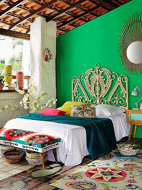 Room, Green, Interior design, Textile, Furniture, Floor, Linens, Flooring, Wall, Ceiling,