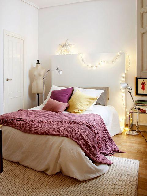 Lighting, Bed, Room, Interior design, Floor, Property, Wall, Bedding, Bedroom, Textile,