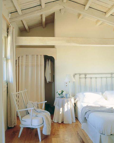 Room, Interior design, Property, Textile, Floor, White, Ceiling, Linens, Furniture, Home,