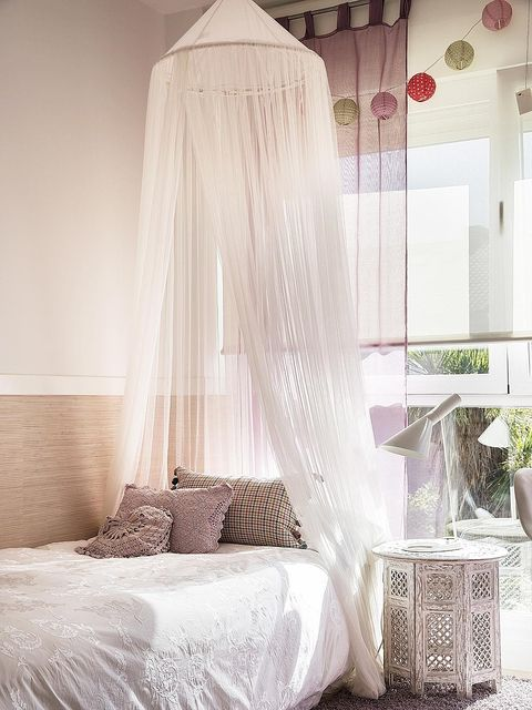 Room, Interior design, Textile, Bedroom, Bed, Linens, Bedding, Bed sheet, Grey, Home accessories,
