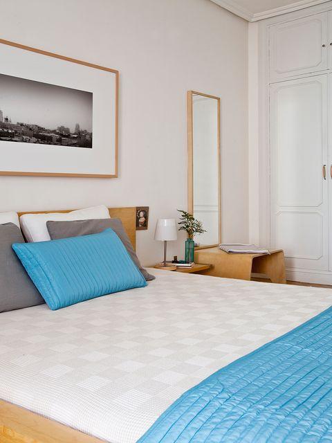 Blue, Room, Interior design, Bed, Property, Wall, Textile, Bedding, Floor, Linens,