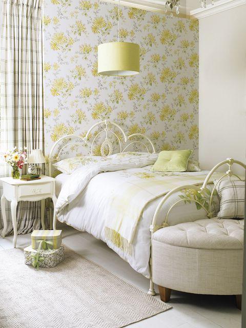 Lighting, Room, Interior design, Yellow, Green, Property, Bed, Wall, Textile, Floor,