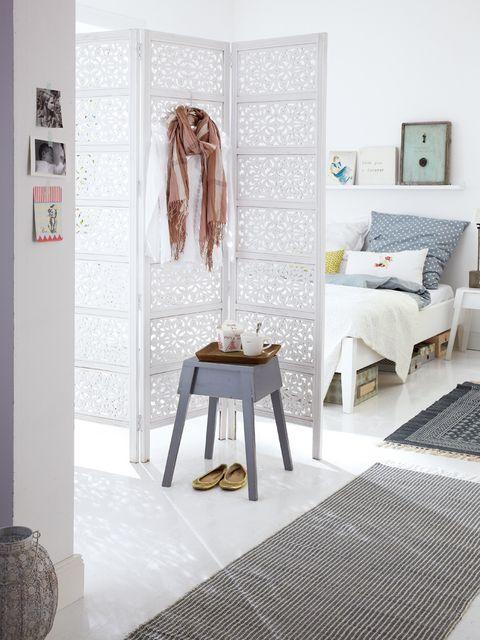 Floor, Room, Interior design, Textile, Furniture, Flooring, Wall, Interior design, Linens, Clothes hanger,