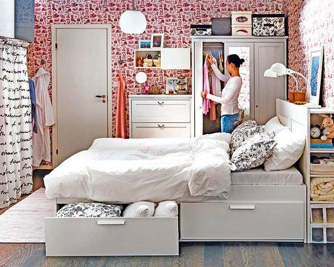 Room, Interior design, Textile, Wall, Bedding, Bed, Bedroom, Linens, Bed sheet, Floor,