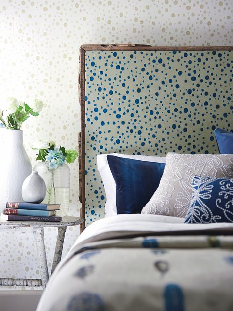 Blue, Interior design, Room, Textile, Wall, Bedding, Linens, Cushion, Flowerpot, Pillow,