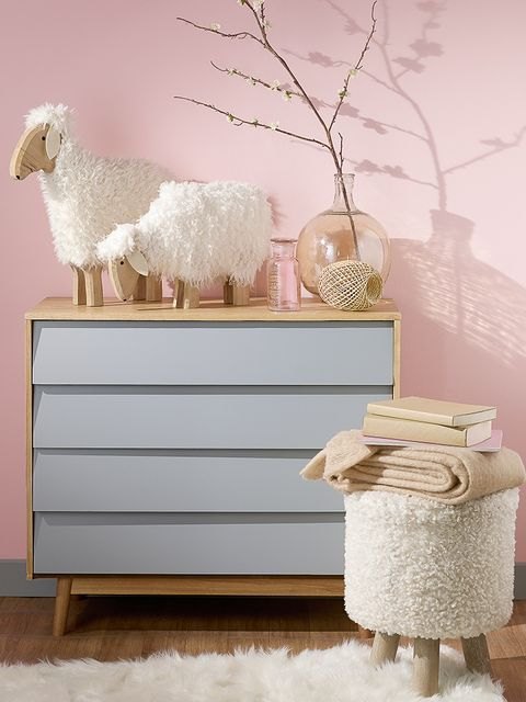 Branch, Sheep, Sheep, Twig, Livestock, Terrestrial animal, Still life photography, Interior design, Working animal, Home accessories,