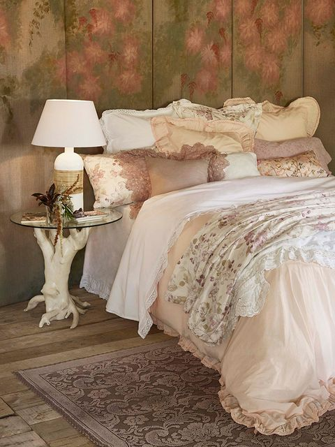 Interior design, Room, Textile, Floor, Linens, Bedding, Bed sheet, Bedroom, Interior design, Lampshade,