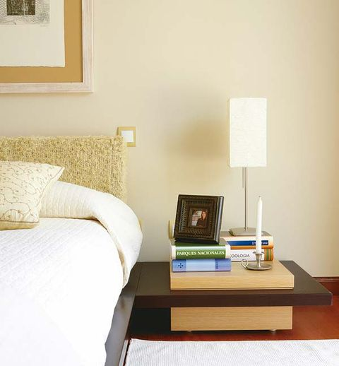Room, Furniture, Wall, Table, Interior design, Lamp, Linens, Pillow, Lampshade, Picture frame,