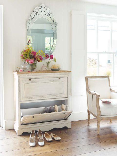 Mueble zapatero color crema