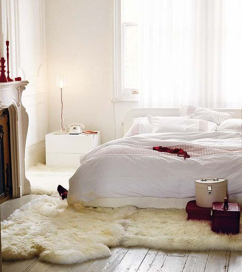 Room, Interior design, Property, Bed, Bedding, Floor, Textile, Wall, Bedroom, Bed sheet,
