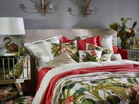 Room, Interior design, Textile, Bedding, Linens, Wall, Furniture, Bed sheet, Interior design, Bed,