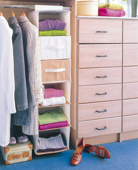 Chest of drawers, Furniture, Room, Closet, Drawer, Shelf, Clothes hanger, Wardrobe, Chiffonier, Footwear,