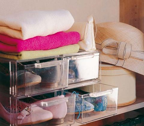 Shelf, Pink, Small appliance, Room, Furniture, Material property, Towel, Bathroom accessory, Shelving, Home appliance,