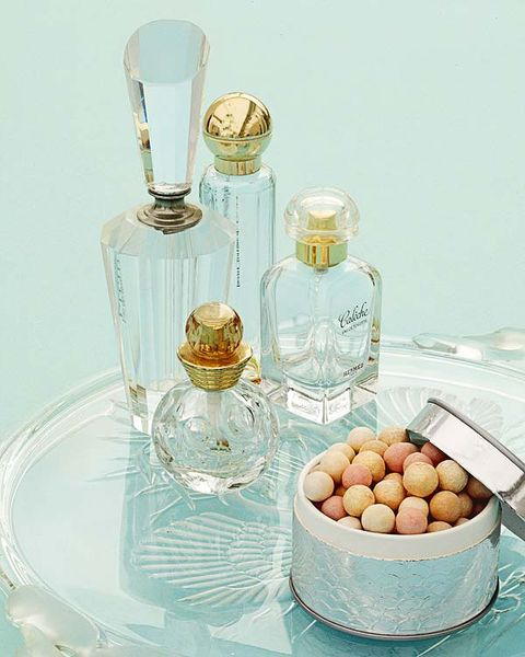 Fluid, Glass, Perfume, Liquid, Serveware, Barware, Ingredient, Bottle, Glass bottle, Cuisine,