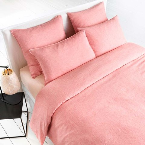 Bed sheet, Bedding, Pink, Textile, Furniture, Duvet, Pillow, Linens, Duvet cover, Room,