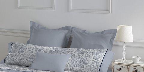 Room, Interior design, Property, Wall, Textile, Bedding, Bed, Linens, Lamp, Bedroom,