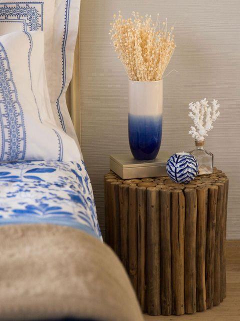 Blue, Interior design, Porcelain, Majorelle blue, Still life photography, Interior design, Lavender, Cobalt blue, Linens, Vase,