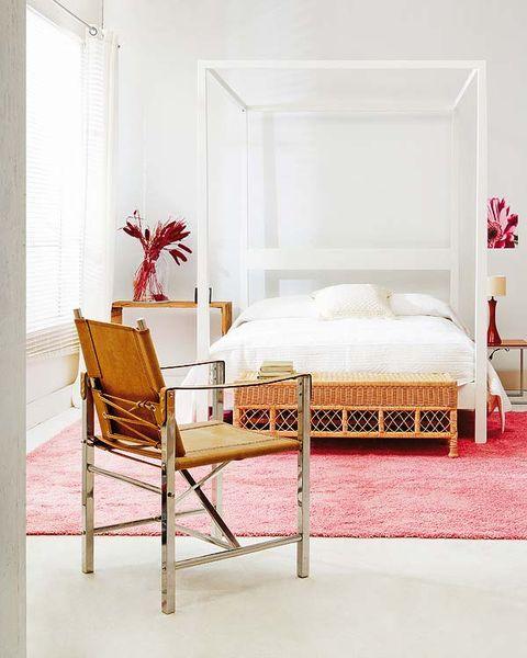 Bed, Room, Interior design, Wood, Bedding, Textile, Furniture, Bed sheet, Bedroom, Linens,