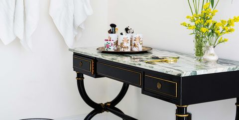 White, Furniture, Table, Coffee table, Room, Iron, Interior design, Desk, Sofa tables, End table,