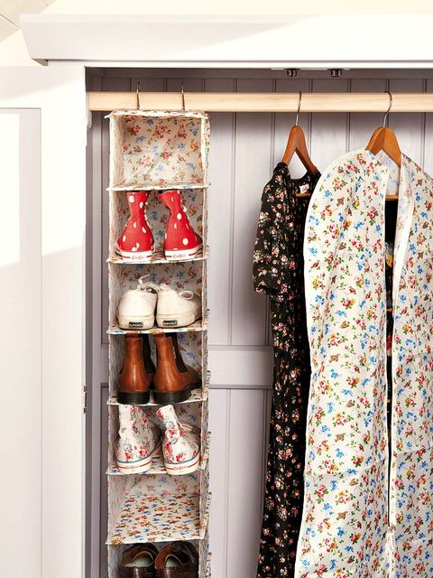 Collar, Shelving, Clothes hanger, Shelf, Retail, Collection, Home accessories, Display case, Peach, Cupboard,
