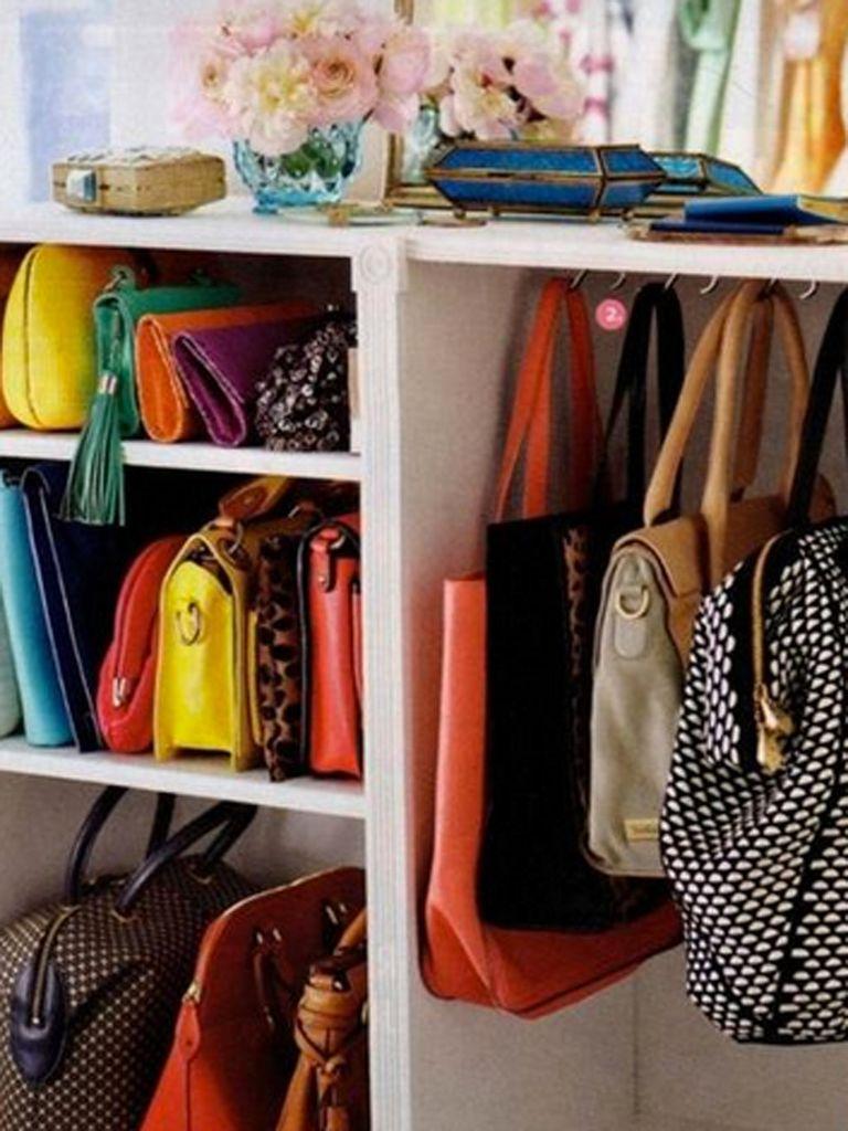 22 ideas para organizar los bolsos - Percheros para bolsos ...