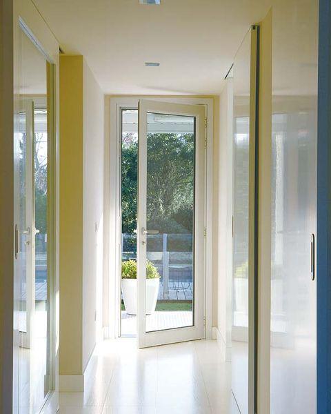 Glass, Floor, Architecture, Property, Flooring, Room, Interior design, Ceiling, Real estate, Fixture,