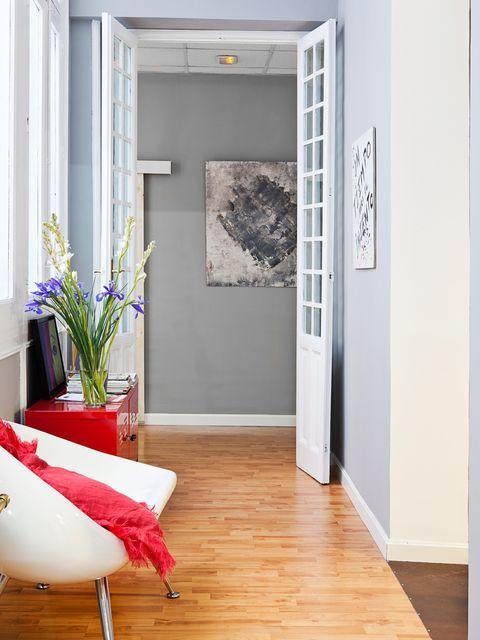 Wood, Floor, Flooring, Interior design, Wood flooring, Room, Wall, Laminate flooring, Flowerpot, Door,