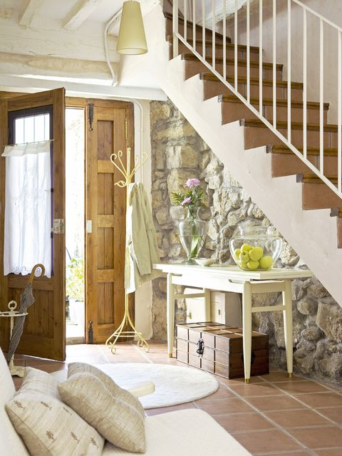 Wood, Floor, Stairs, Interior design, Room, Flooring, Property, Home, House, Wall,