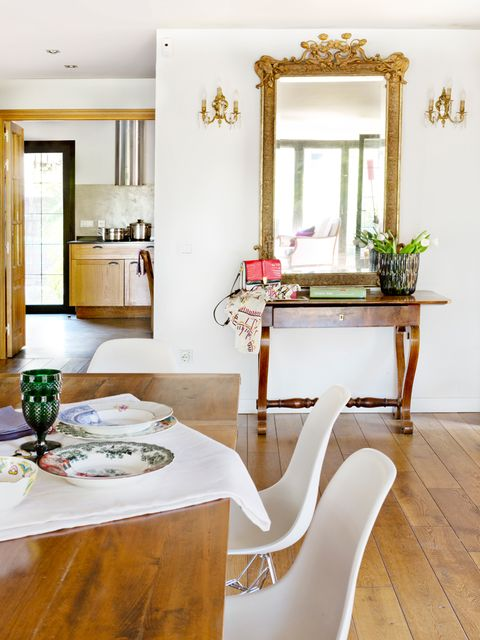 Wood, Interior design, Room, Floor, Flooring, Table, Hardwood, Furniture, Glass, Interior design,
