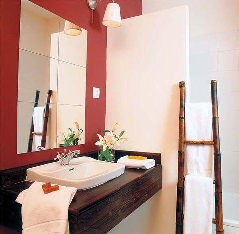 Lighting, Room, Bathroom sink, Interior design, Wall, Light fixture, Interior design, Plumbing fixture, Sink, Tap,