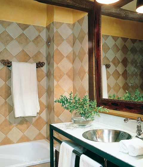 Plumbing fixture, Room, Interior design, Property, Wall, Glass, Tile, Tap, Sink, Real estate,