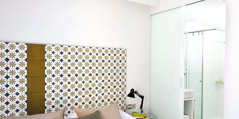 Bed, Room, Interior design, Property, Textile, Bedding, Wall, Bedroom, Linens, Floor,