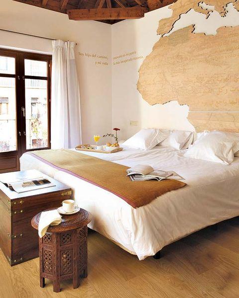 Room, Bed, Interior design, Textile, Bedroom, Bedding, Floor, Linens, Bed sheet, Furniture,