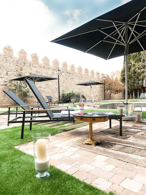 Table, Furniture, Architecture, Backyard, Pavilion, Tree, Yard, Patio, House, Building,