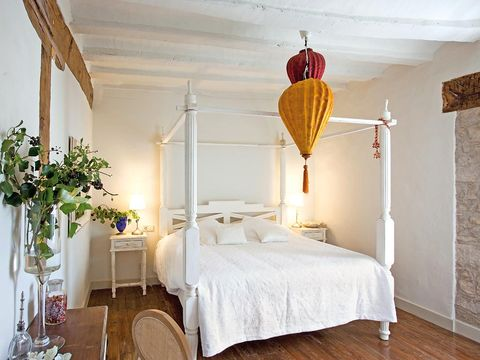 Bed, Lighting, Wood, Room, Floor, Interior design, Property, Textile, Bedding, Flooring,