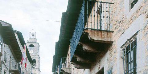 Infrastructure, Neighbourhood, Road, Street, Town, Flooring, Wall, Facade, Alley, Cobblestone,