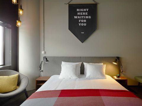 Bed, Room, Bedding, Property, Interior design, Textile, Bed sheet, Bedroom, Linens, Wall,