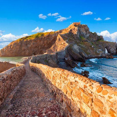 Coast, Sky, Sea, Rock, Natural landscape, Cliff, Promontory, Headland, Coastal and oceanic landforms, Mountain,
