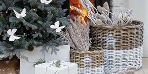 Decoración de navidad: Chimenea con cestas de leña