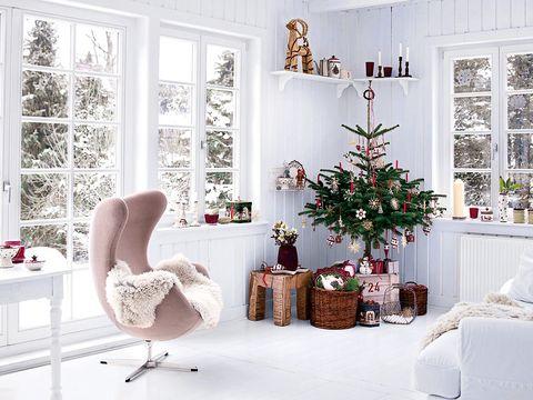 Room, Interior design, Home, Interior design, Holiday, Fixture, House, Christmas decoration, Living room, Ornament,