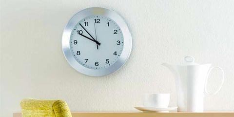 Serveware, Product, Dishware, Cup, Drinkware, Porcelain, Coffee cup, Wall clock, Tableware, Clock,