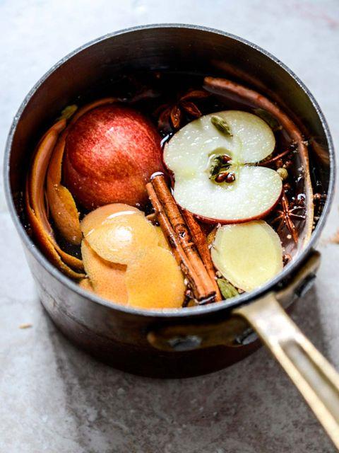 aromas para el hogar cazo con manzanas y canela hervidas