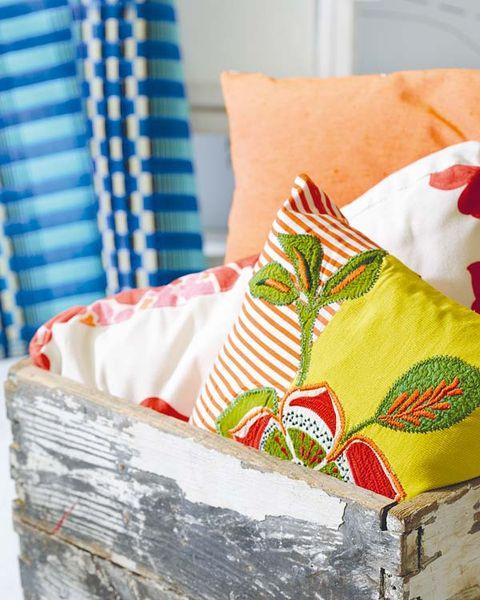 Textile, Linens, Carmine, Bedding, Home accessories, Pillow, Throw pillow, Cushion, Interior design, Basket,