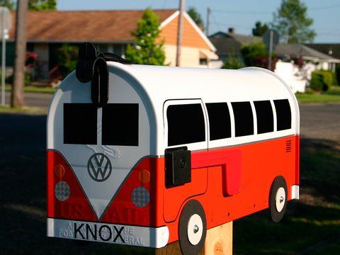 Motor vehicle, Mode of transport, Automotive design, Transport, Automotive exterior, Automotive tire, Bus, Rim, Fender, Automotive lighting,