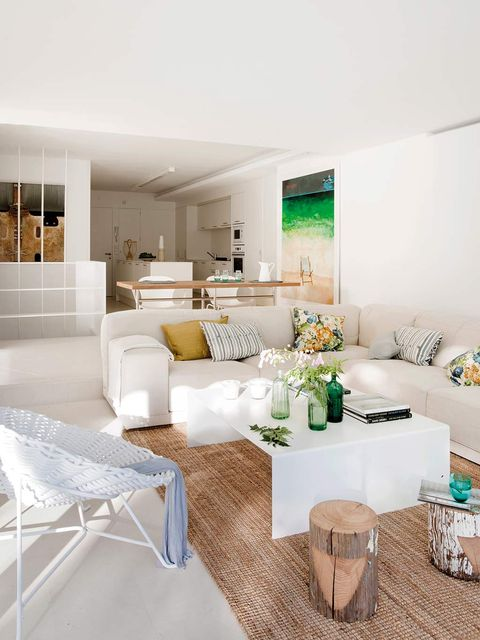 Living room, Room, Furniture, Interior design, White, Property, Table, Building, Coffee table, House,