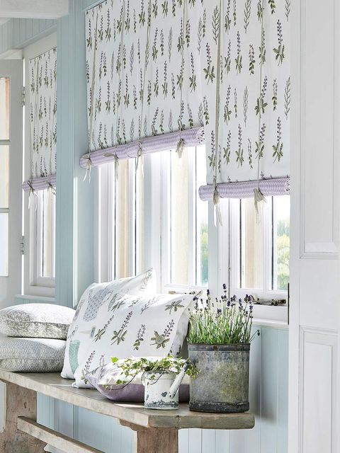 Green, Curtain, Room, Interior design, Living room, Furniture, Window treatment, Wall, Window, Window covering,