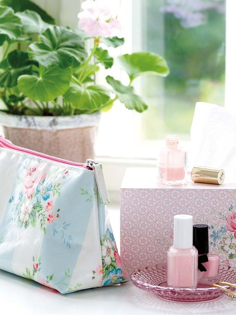 Product, Pink, Leaf, Plant, Textile, Table, Flowerpot, Linens, Flower, Interior design,