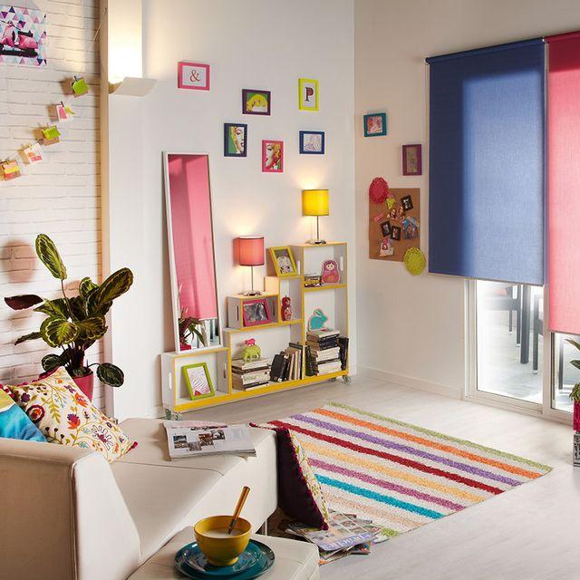 salón colorido piso de soltera
