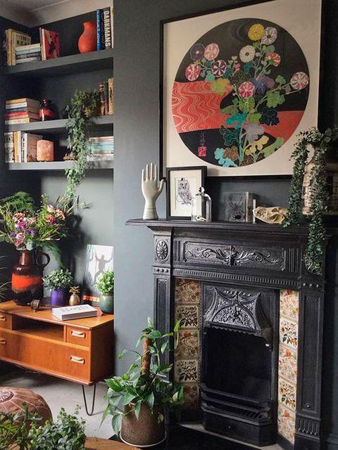 Furniture, Room, Shelf, Interior design, Table, Living room, Wall, Hutch, Desk, Shelving,