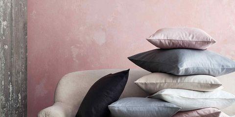 Textile, Wall, Cushion, Grey, Pillow, Still life photography, Futon pad, Natural material, Linens, Throw pillow,
